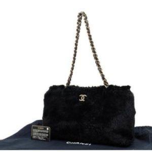 1042e9b127f9 CHANEL · Chanel Chain Black Rabbit Fur Tote